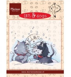 CD3502 Cats & Dogs Snow fight