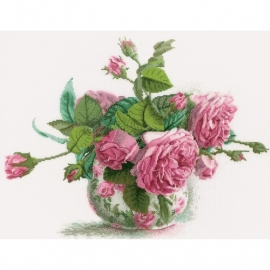 065669 Romantic Roses Counted Cross Stitch Kit