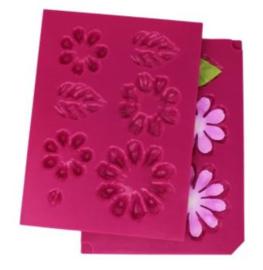 HCFB1 492 Heartfelt Creations Shaping Mold Summer's Garden -3D Small Zinnia