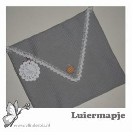 Luiermapje envelop grijs wit