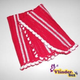 Gehaakt dekentje rood en wit