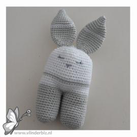 Rammelaar konijn lichtgrijs