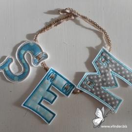 Letterslinger in kleur en stof naar keuze