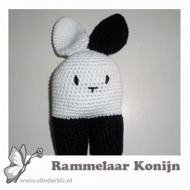Rammelaar konijn zwart wit