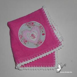 Spuugdoekje hartje roze mint