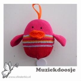 Muziekvogel roze, rood, aqua en oranje
