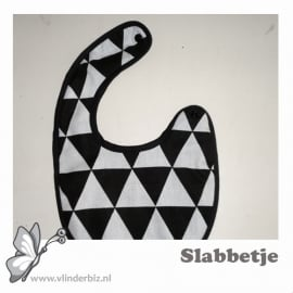 Slabbetje driehoekjes zwart wit 2
