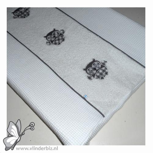 Aankleedkussen uiltjes wit taupe