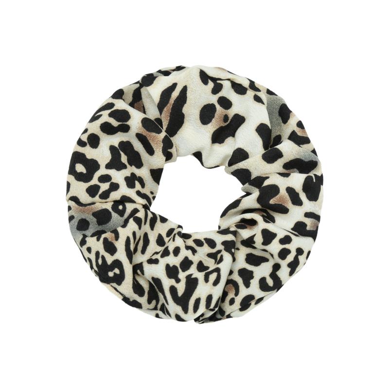 Haar Scrunchie Leopard Wit  KIES 2 SCRUNCHIES EN BETAAL MAAR 1 POSTZEGEL!