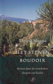 Het stenen boudoir, Theresa Maggio