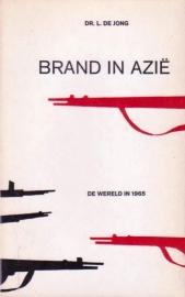 Brand in Azie, Dr. L. de Jong