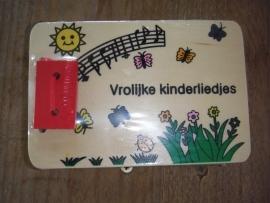 Houten boekje vrolijke kinderliedjes groot