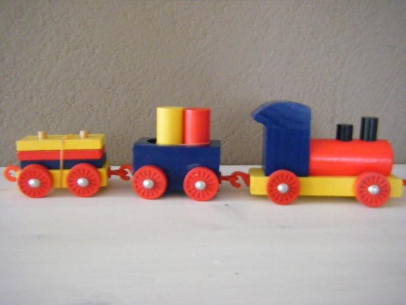 Houten speelgoedtreintje
