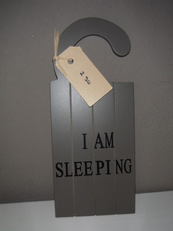 "Bordje ""i am sleeping/welcome"""