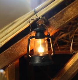 Vrl-37 Petroleumlamp kunststof  4cmH