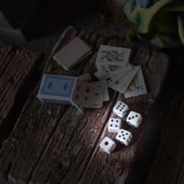 p-hz33: Speelkaarten / Dobbelstenen