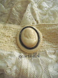 BROCHE - CAMEE - Jeanne d 'Arc Living -