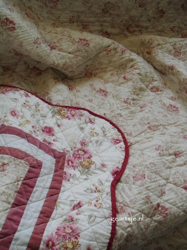 quilt  / boutis FLOWERS 150x150 cm.