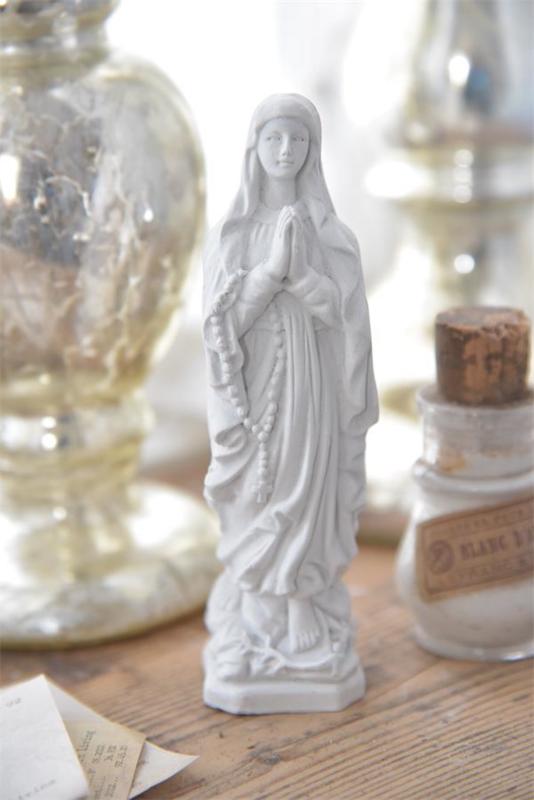MARIAbeeldje - gips - Jeanne d 'Arc Living