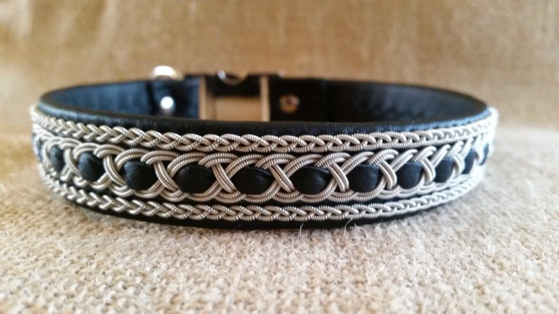 Halsbanden op maat (prijzen op aanvraag)