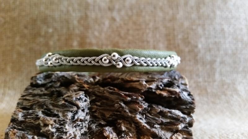 Saami Armband 033 (B)