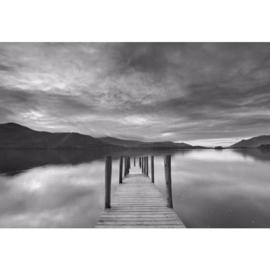 Fotobehang Steiger in het Meer Zwart Wit