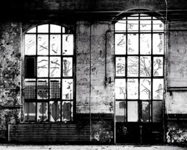 Digitaal fotobehang Rasch Factory 940930 Muur en Raam van oude Loods