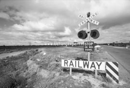 Fotobehang AP Digital 470070 Crossing Railway