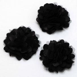 Stoffen satijn bloem met schijfje 5cm *zwart* pst