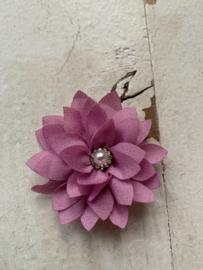 Luxe bloem satijn met parel/strass roze 5.5cm