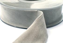 Velvet/fluweel band zilver grijs dubbelzijdig  2.5cm