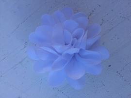 Chiffon bloem wit 5,5 cm
