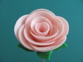 Patroon 3 soorten roosjes maken van vilt