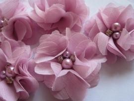 Bloem chiffon met parels & strass poeder roze