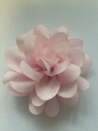 Chiffon bloem licht roze 5,5 cm