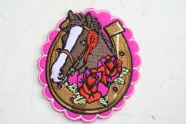 Opstrijkapplicatie paard met roosjes