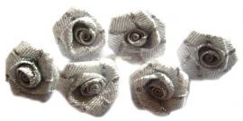 Roosjes zilver 2cm