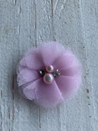 Bloem tule met parels & strass licht roze 4.5cm
