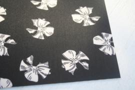 Leer strikken motief zwart/off white