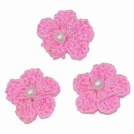 Bloemetjes gehaakt  roze parel