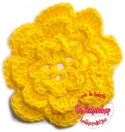 A0228a Gehaakte katoenen bloem geel