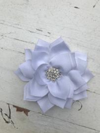 Luxe bloem satijn met ster strass wit