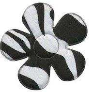 Applicatie bloem met zebra print wit/zwart  4,5 cm