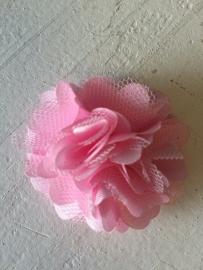 Stoffen satijn bloem met schijfje 5cm *licht roze* pst