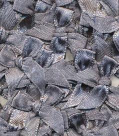 Satijnen strikjes grijs