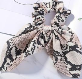 Scrunchies Haarwokkel met lint slangprint zwart beige