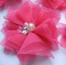 Bloem tule met parels & strass hot pink