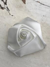 Bloem satijn roos wit