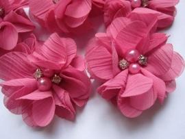 Bloem chiffon met parels & strass bubblegum pink