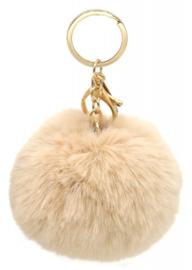 Tas/Sleutelhanger fluffy bol ivoor